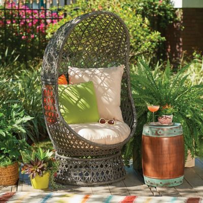 Bativa Resin Wicker Swivel Chair