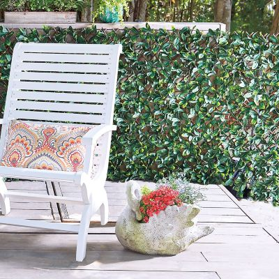 Expandable Faux Laurel Leaf Garden Trellis