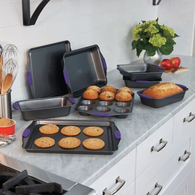 8 Piece Bakeware Set with Silicone Handles