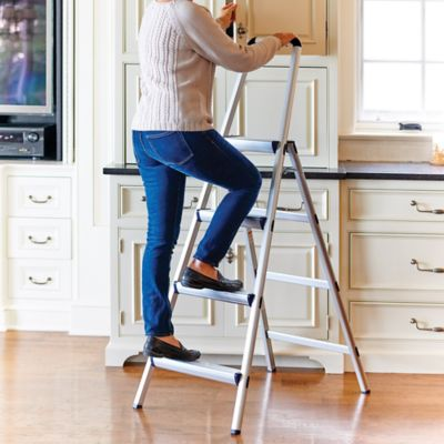 Step Stool/Ladders