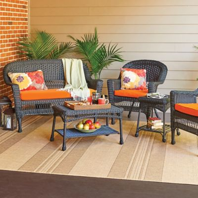 Hampton Hill 5 Piece Resin Wicker Patio Set