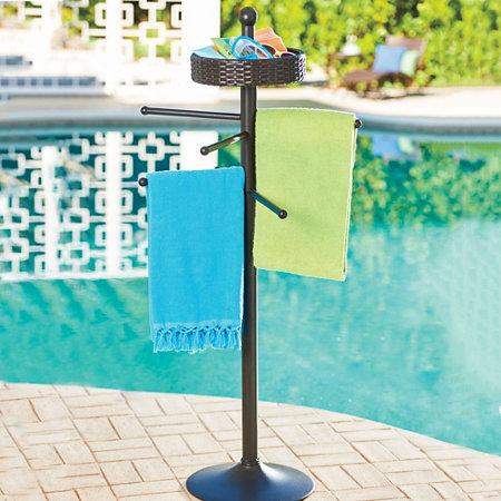 Wicker swimming pool outdoor bathing suit towel rack for Outdoor towel caddy