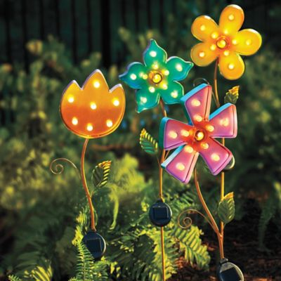 Solar Lighted Metal Flower Yard Stake