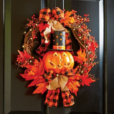 Lighted Jack-o-Lantern Halloween Wreath
