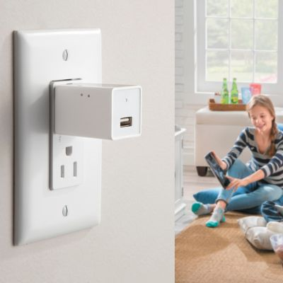 USB Wall Outlet with Hidden Security Camera