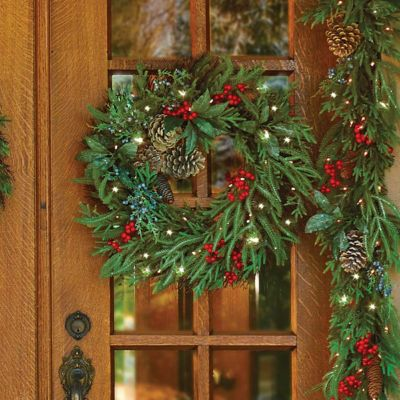 "24"" Pre-Lit Natural Christmas Wreath"