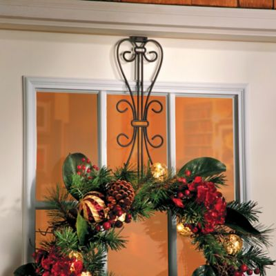 Adjustable Wreath Hanger