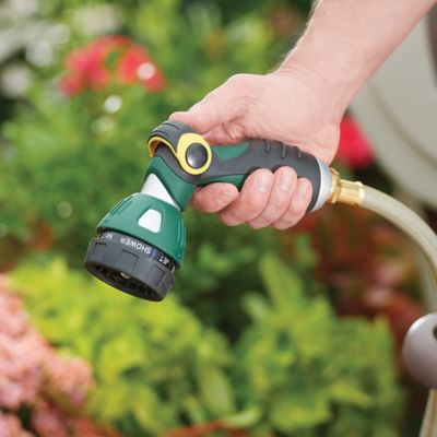 Thumb-Controlled Hose Nozzle with 7 Functions