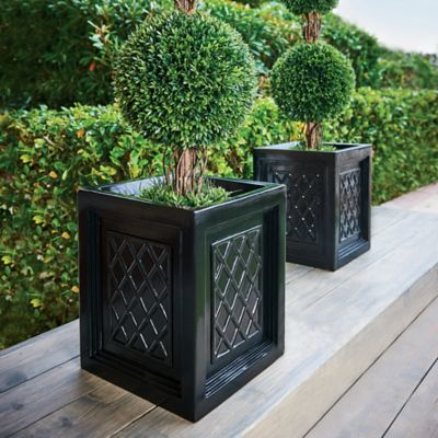 Brighton Lattice Urn Planter