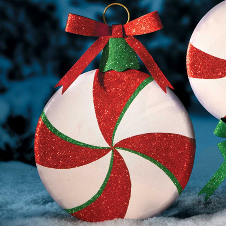 outdoor peppermint swirl christmas decorations