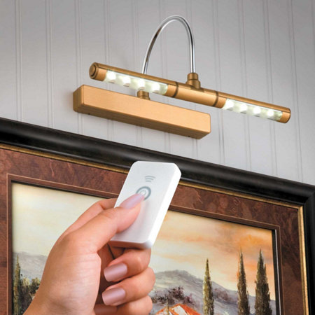 Picture light with remote