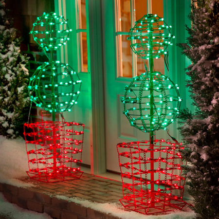 Christmas Topiaries With Lights
